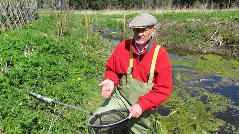 Rolf Gydemo med guldfisk