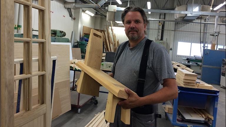 Thomas Nilsson, vd för Snickerifabriken Visby. Foto: Ulrika Uusitalo Fernholm/Sveriges Radio.