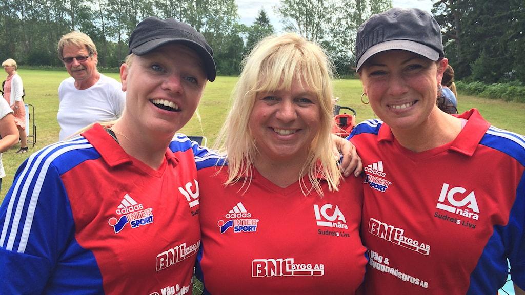 Hablingbo varpa SM Therese Wilhelmsson, Åse Eriksson och Signe Lindgren.