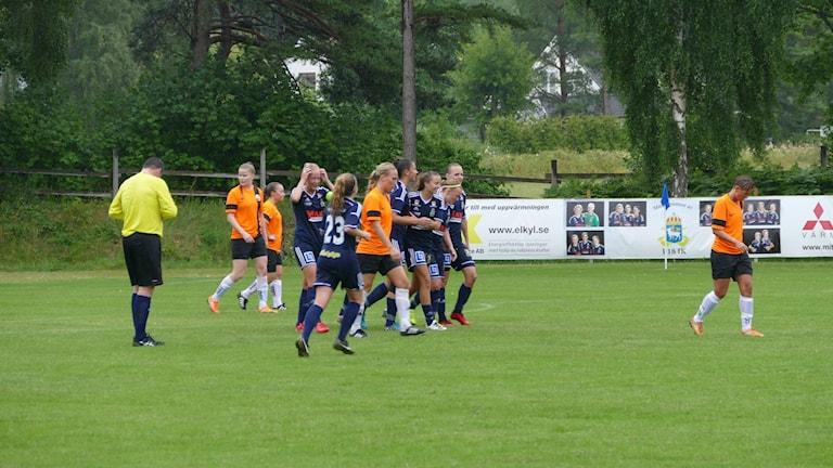 Segerjubel i P18. Foto: Eva Didriksson/Sveriges Radio Gotland
