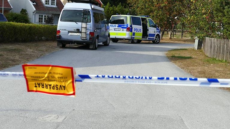 Polistekniker på plats. Foto: Jonas Neuman/Sveriges Radio