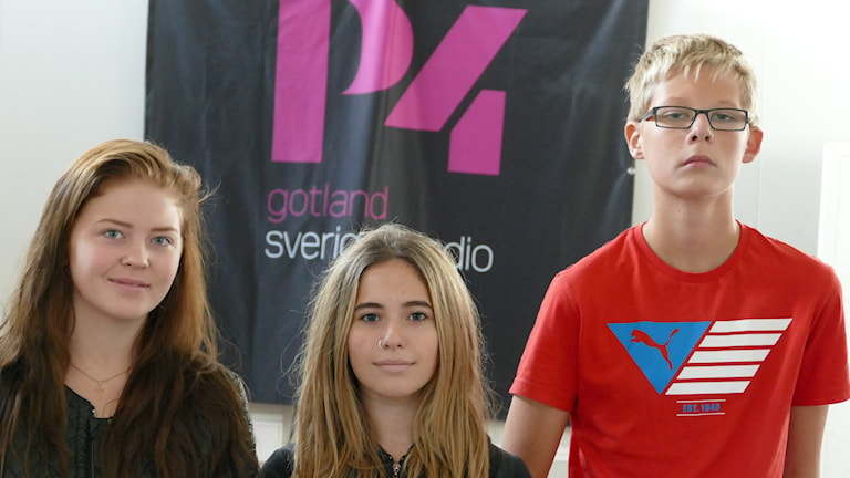 Linnea Jakobsson, Tora Shüberg och Lukas Mårderyd från Högbyskolan 9:3. Foto: Lasse Eskelind/Sveriges Radio