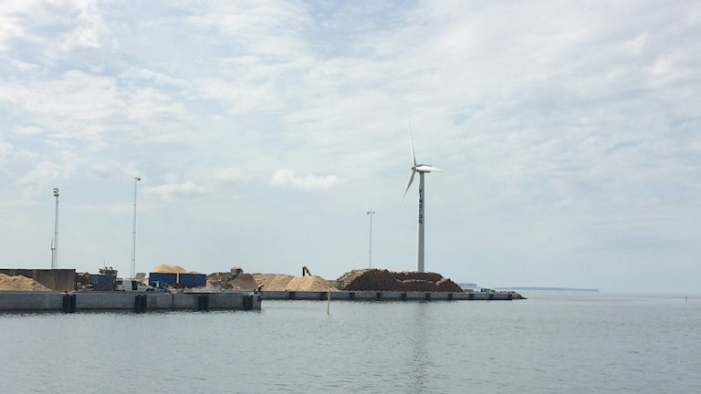 Vindkraftverk i Klintehamn. Foto: Henrik Wallenius/Sveriges Radio Gotland
