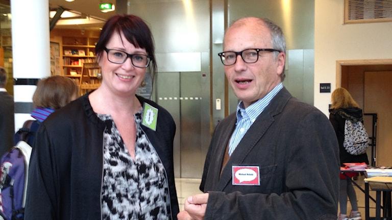 Carina Milde från Arbetets Museum och proffessor Michael Scholz älskar serier