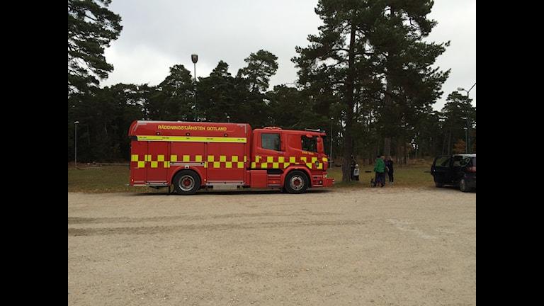 Räddningstjänsten fick släcka eld vid VOK-stugan. Foto:Malin Nordström SR