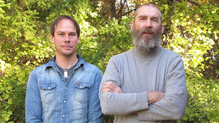 Niklas Kinberg och Kaj Boström vill ta över en del av Byggnadshyttans verksamhet. Foto: Gunnel Wallin/Sveriges Radio