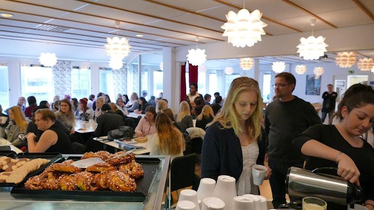 Maris Café på Wisbygymnasiet. Foto: Mika Koskelainen/Sveriges Radio