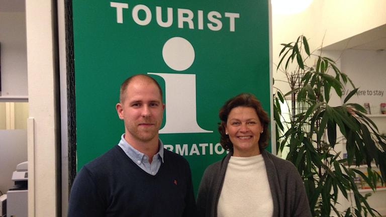 Daniel Eriksson, turistbyråchef och Monica Frisk, verksamhetsledare Gotlands förenade besöksnäring. Foto: Katarina Hedström/Sveriges Radio