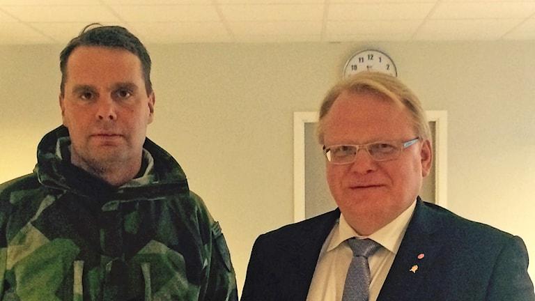 Stefan Pettersson och Peter Hultqvist. Foto: Håkan Erlandsson/Sveriges Radio
