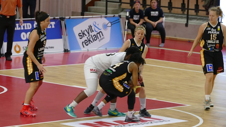 Visby Ladies mot Mark Basket