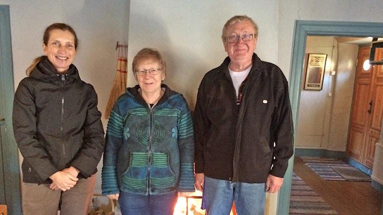 Tina Messing, Berit och Kjell Pettersson. Foto: Gunnel Wallin/Sveriges Radio