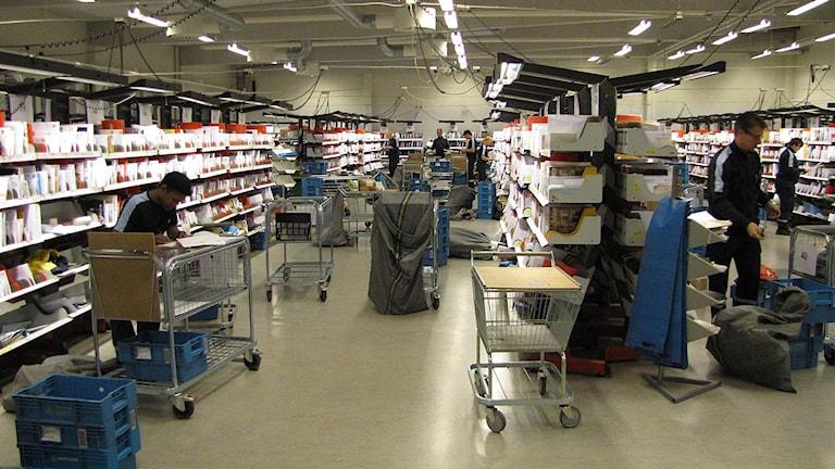 Postsortering i Visbyterminalen Foto Lasse Ahnell Sverigesradio
