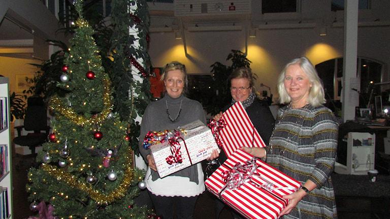 Catherine Small, Outi Mikkola och Gitte Wolff berättade om jul i Norge, Finland och Danmark. Foto: SR Gotland