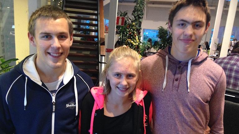 Porträtt av syskonen Daniel, Moa och Linus Örevik som alla är betuttade i friidrott.