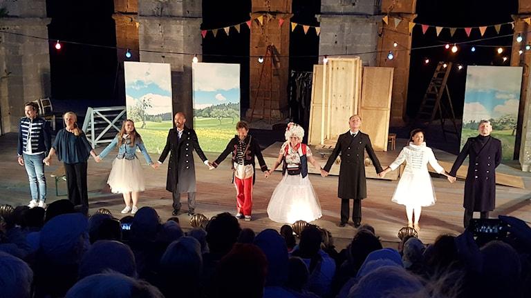 Romateaterns ensemble i Shakespeares En Vintersaga
