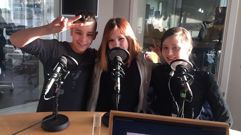 Fredagens unga panel om lögner: Unga panelen med Yassin Jebali, Vilma Hansson och Olivia Engström.