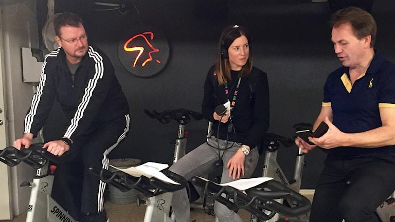 Initiativtagare Håkan Karlsson och Peter Sühr med reporter Eva Didriksson.