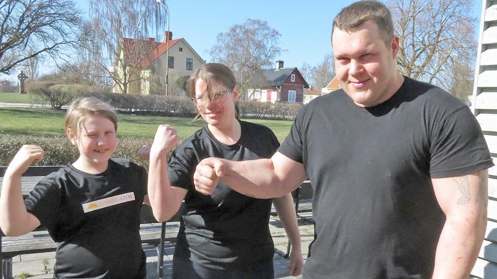 Egon Karlén Karlsson, Karin Karlén och Andreas Jakobsson gotländska armbrytare.