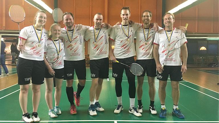 Visby Badmintonklubb efter seriesegern. Foto: Luc Heischbourg.