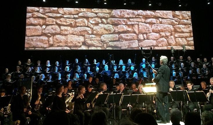 Bo Wannefors dirigerar i Carmina Burana i Wisby Strand