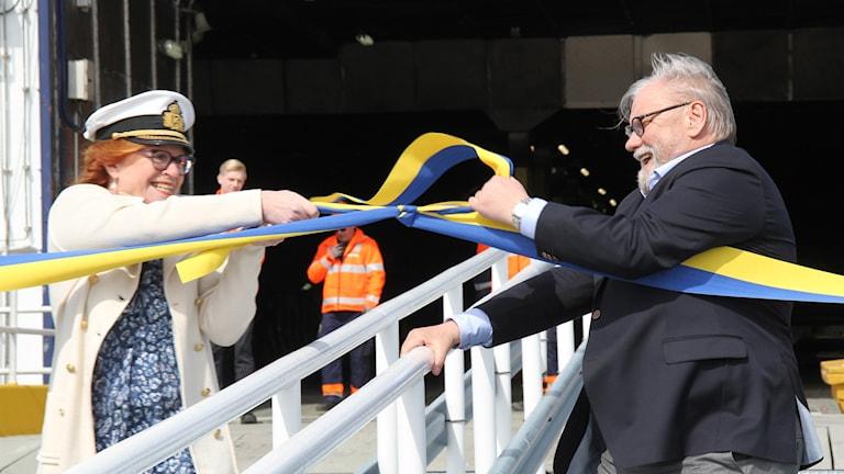 Cecilia Schelin Seidegård och Stefan Carlsson inviger gotlandstrafiken i Västervik