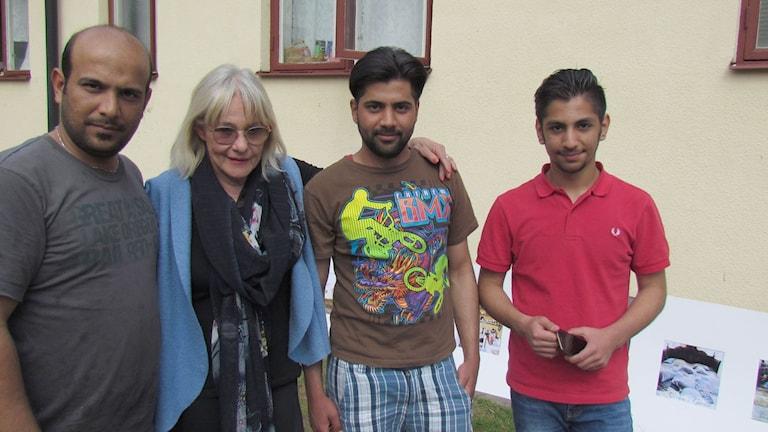 Haidar, Åsa, Youssef och Sagar vid Ekängen. Foto: Anna Jutehammar/ Sveriges Radio