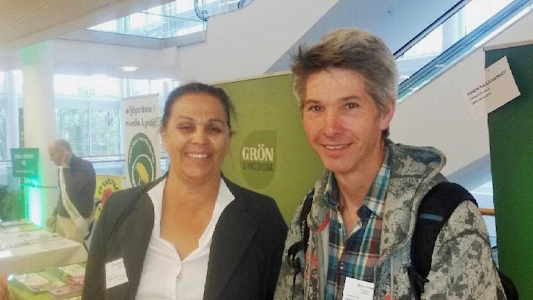 Lisbeth Bokelund och Robert Hall på Miljöpartiets kongress.