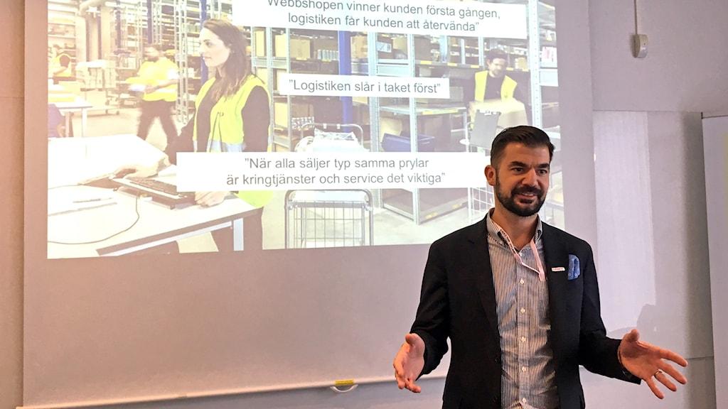 Markus Kinnander föreläser om e-handel för gotländska företagare.