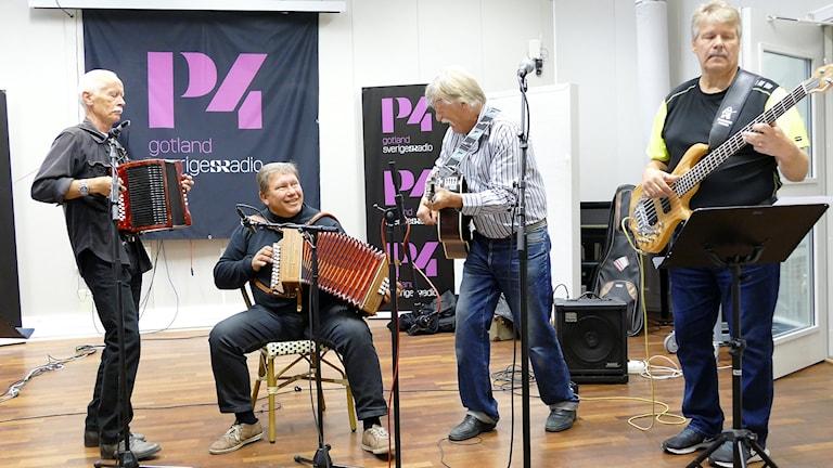 Kvartingz: Jörgen Ahlqvist, Ulf Gardelius, Vincent Ullgren och Jan Pettersson.