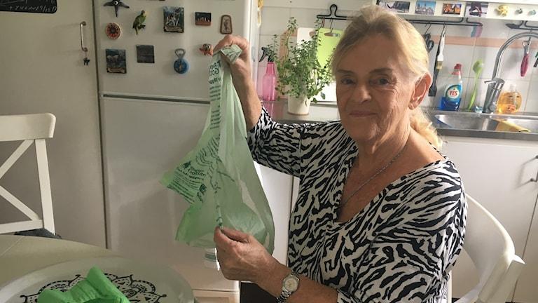 Irene Magnusson hörde av sig till P4 Gotland angående de gröna kompostpåsarna.