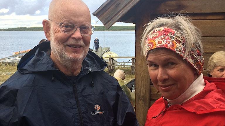 Före detta ärkebiskop KG Hammar och prästen Lotta Fång.