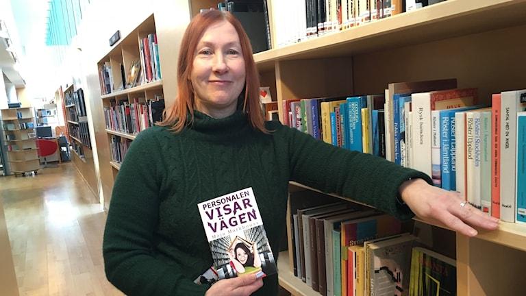 Maja Markhouss med nya boken Personalen visar vägen
