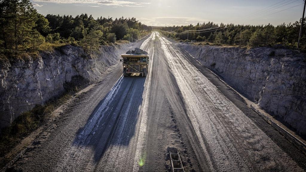 Vägen från cementas kalkbrott  i Slite vid File Hajdar.