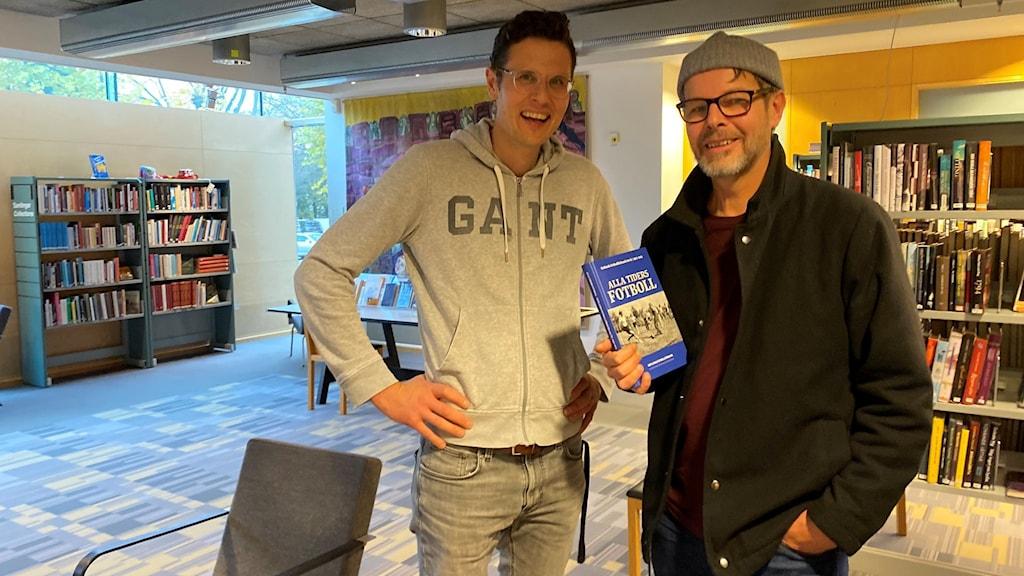 Henrik Ramberg och Carl Henrik Fridén på Almedalsbiblioteket.