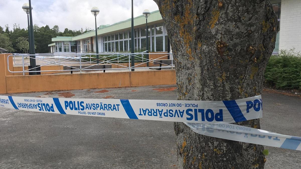 Polisavspärrning Klinteskolan brand.