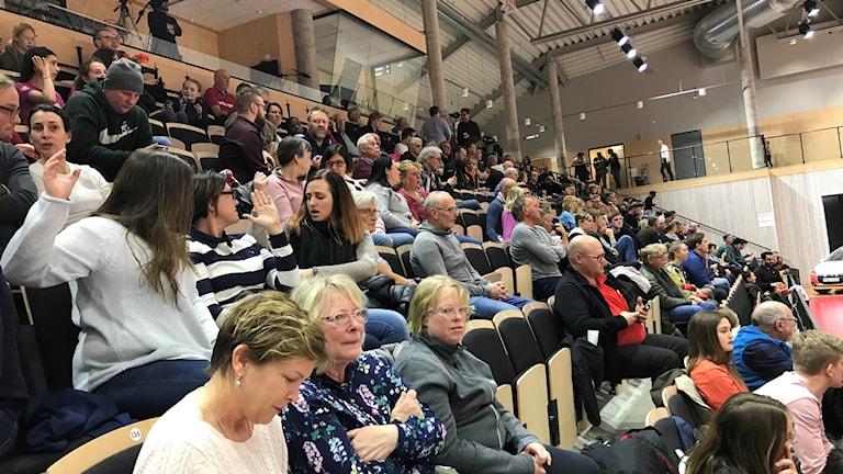 Publik i arenahallen