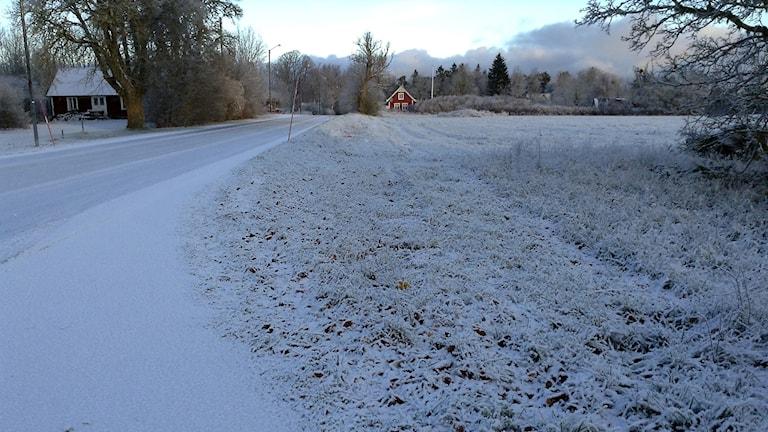 Första snön på väg 149 mot Kappelshamn.