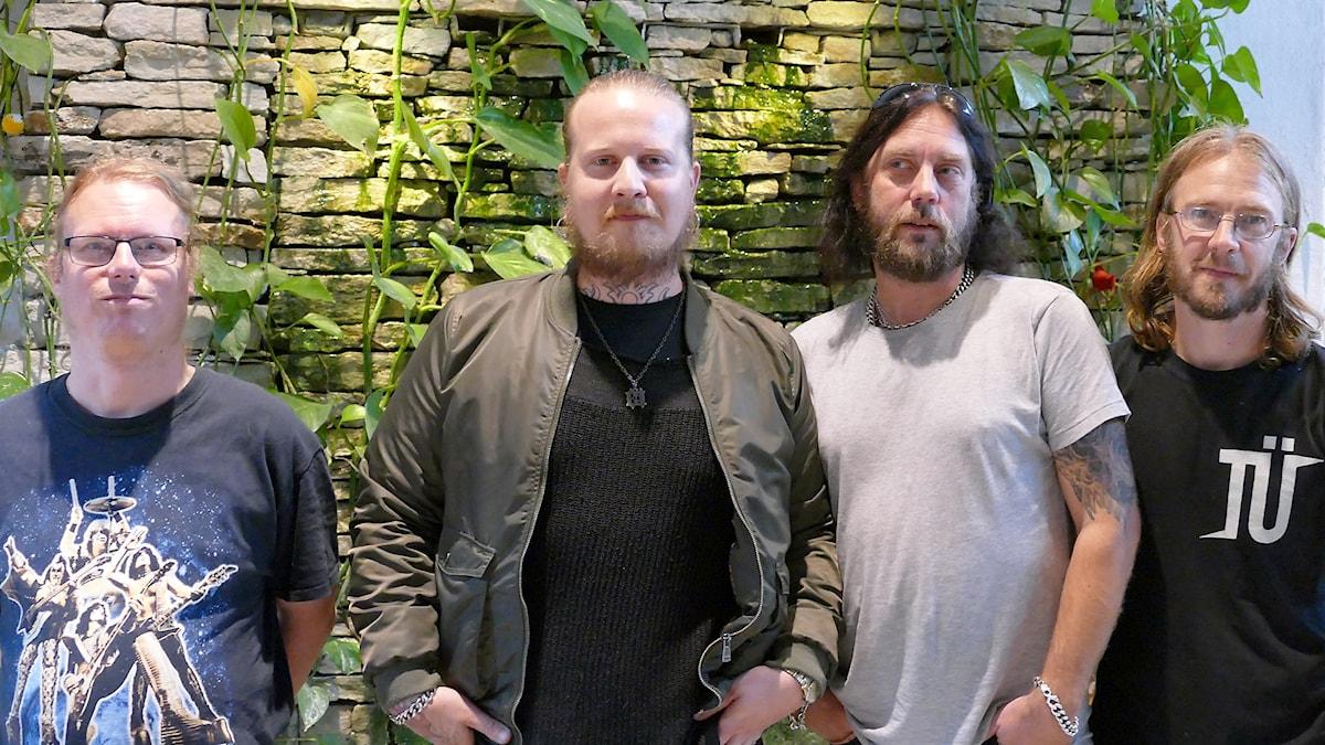 Jony Tofftén - trummor och kör, Kim Minkkinen - sång och gitarr, Mårten Brege - bas och kör, P-M Andersson - gitarr och kör