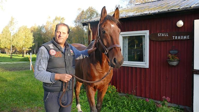 Jan Larsson, tillsammans med hästen Ronaldo