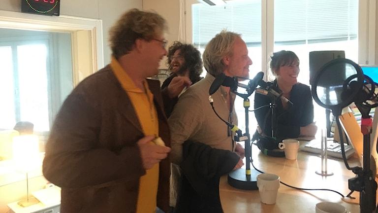 Sarah Carlsson, Thomas Johansson, Albin Linder, Toni Lindén, gruppmedlemmar i Musikkollektivet Bobby Mull.