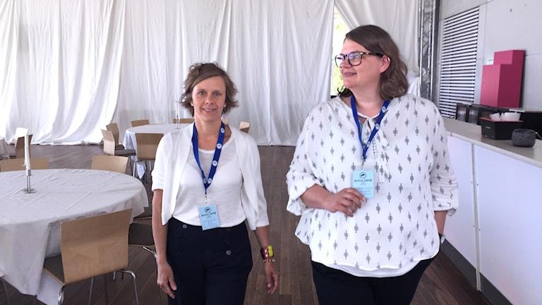 Li Ljungberg och Jeanette Hellström, sjuksköterskor vid Visby Lasarett försöker locka nya kollegor till ön.