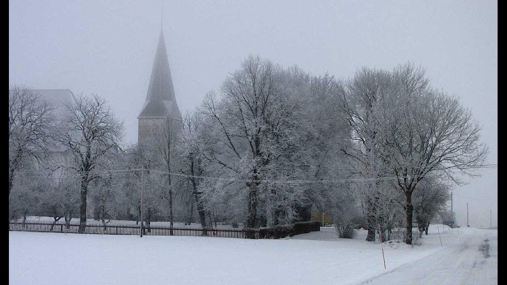 Källunge kyrka på vintern. Foto: Lasse Ahnell/SR Gotland