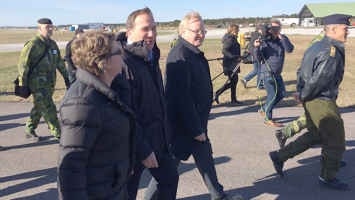 Prime Minister Stefan Lövfen and Defence Minister Peter Hultqvist both visited Gotland this week.