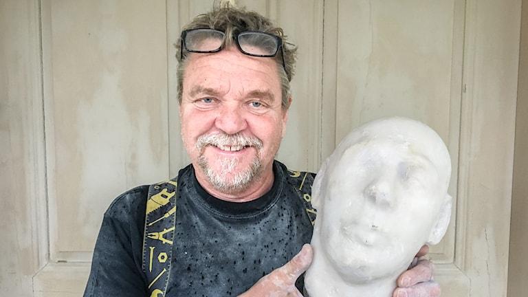 George Thomassson hittade ett av den hemliga konstnärens huvud.