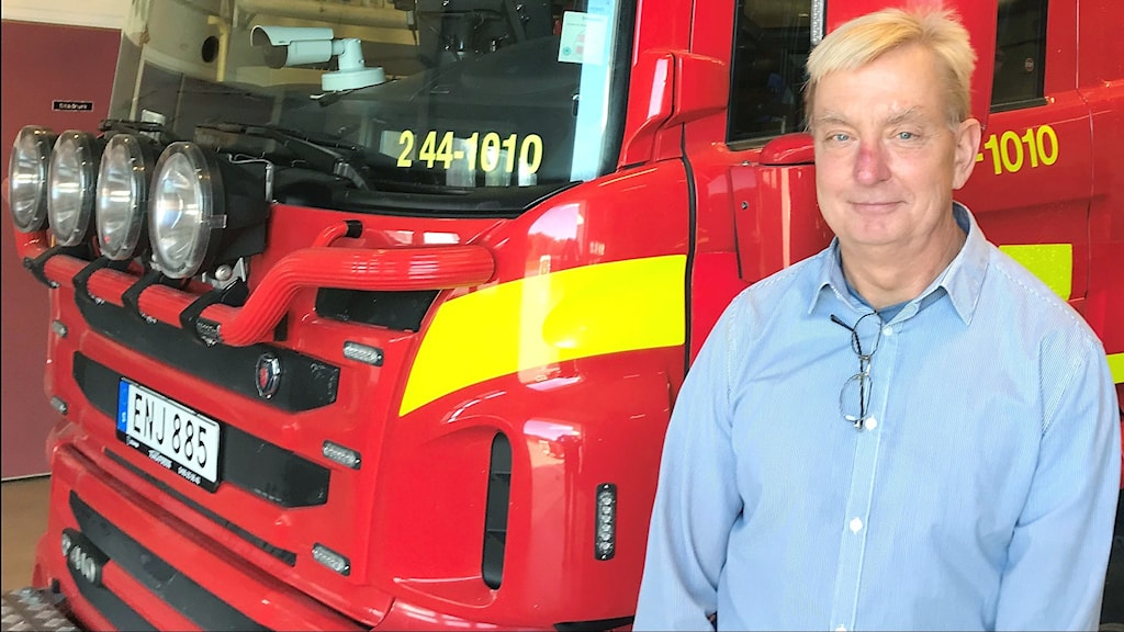 Per Wikberg brandingenjör och yttre befäl vid en brandbil.
