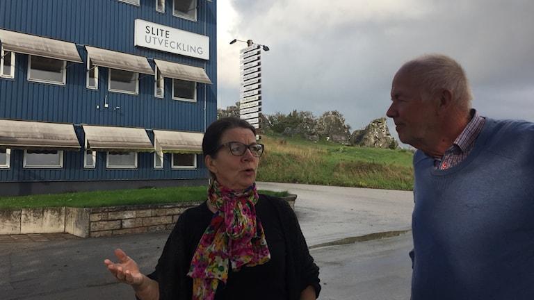 Mait Juhlin och Jan-Erik Pott utanför Slite Utvecklings lokaler.