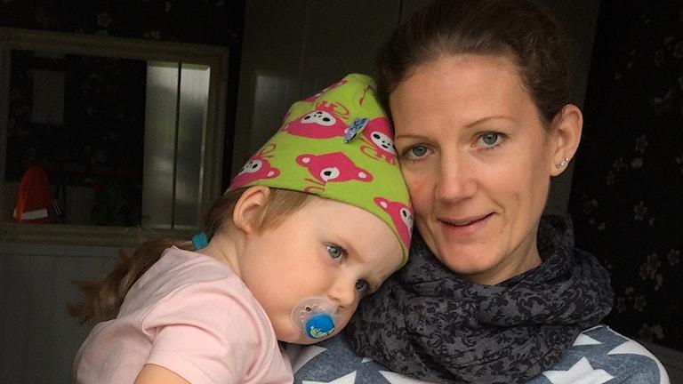 Ann-Sofie Johansson med dottern Alma