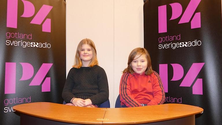 Eira Öhrström och Vincent Wate tävlar för S:t Hansskolan.