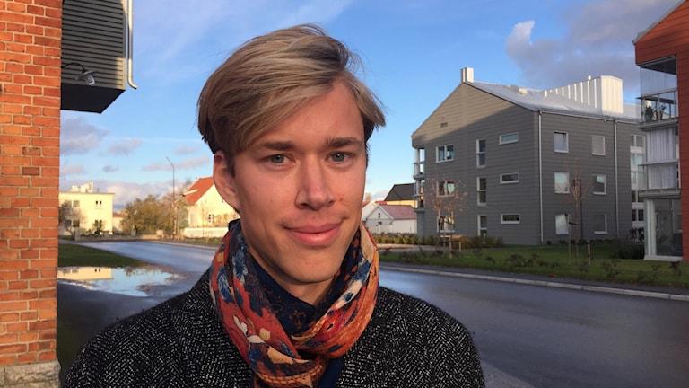 Rasmus Lund håller förelsäsning om sin masteruppsats på Wisby Strand söndag.