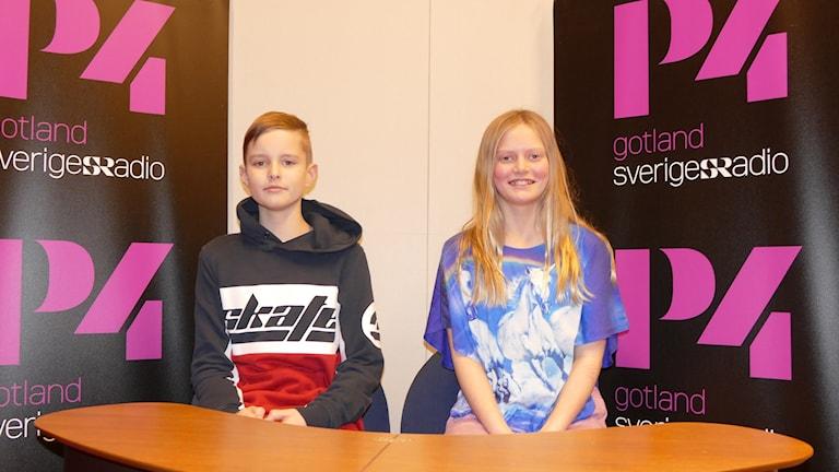Erik Olsson och Lilly Jacobsson tävlar för Romaskolan.